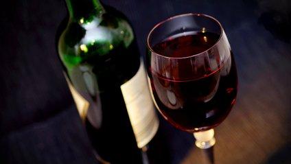 Як швидко відкрити пляшку вина - фото 1