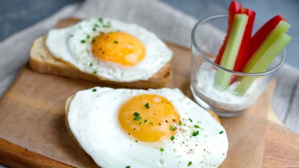 Споживання яєць не пов'язано з рівнем холестерину в крові - фото 1