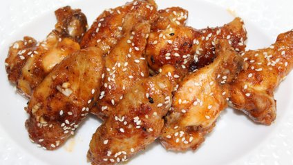 Як приготувати смачнікурячі крильця - фото 1