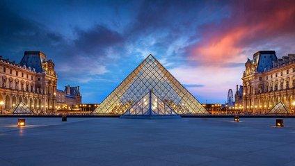 Лувр в Парижі - фото 1