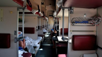 Провідник зобов'язаний надати пасажиру ремені безпеки - фото 1