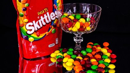 Математик здивував експериментом з цукерками - фото 1