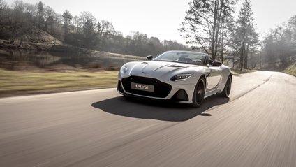Aston Martin DBS Superleggera Volante – найшвидший кабріолет компанії - фото 1