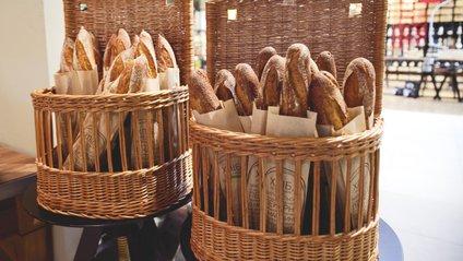 Купувати хліб краще у фірмових магазинах - фото 1