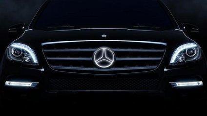 З нуля до сотніседан Mercedes-AMG CLA 35 4Matic розганяється за 4,9 секунди - фото 1