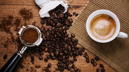 Не варто пити більше 6 чашок кави на день - фото 1