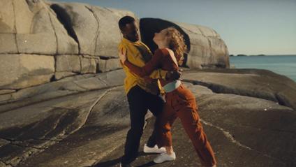 Avicii - Tough Love: дивитись кліп онлайн - фото 1