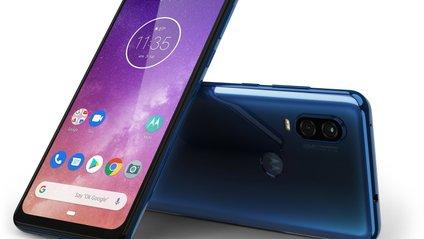 Motorola One Vision отримала незвичайний екран - фото 1