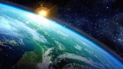 Землю зняли в космосі у 4К - фото 1