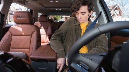 Система перевірятиме, чи пристебнувся водій і пасажир - фото 1