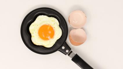 ТОП 5 крутих лайфхаків з яйцями: відео, на якому ви залипнете - фото 1