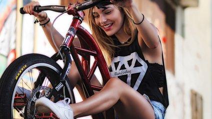 Бодай п'ять хвилин на велосипеді позитивно вплинуть на фігуру - фото 1