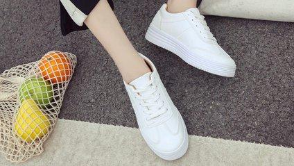Кросівки пасують майже до будь-якого одягу - фото 1