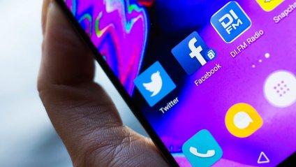 Facebook vs Huawei - фото 1