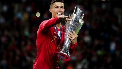 Роналду представляє Португалію - фото 1