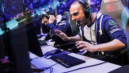 Кіберспортсмен відповідає на запитання про свою професію - фото 1