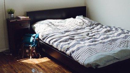 Чому не варто спати під серіали - фото 1