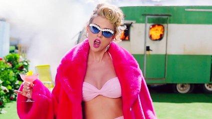 Taylor Swift - You Need To Calm Down, дивитись кліп - фото 1