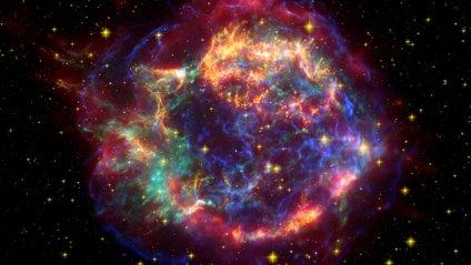 Зафіксовано незвичайне світло в космосі - фото 1