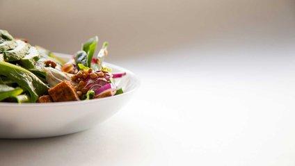 В обмежених кількостях шпинат дуже корисний для організму - фото 1
