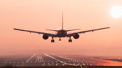 Для посадки літака не знадобиться втручання пілота - фото 1