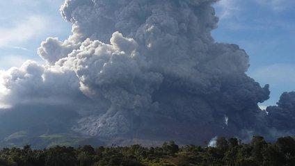 В Індонезії виверження вулкану - фото 1