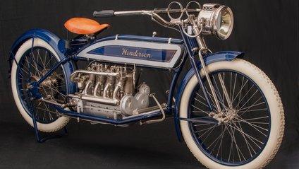 Для подорожі чоловік відреставрував свій старий мотоцикл - фото 1