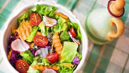 Сезон кабачків: смачний салат з літніх плодів - фото 1