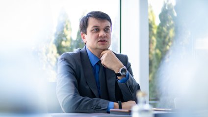 Лідер партії Слуга народу Дмитро Разумков - фото 1