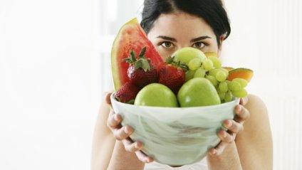 Скільки треба їсти фруктів - фото 1