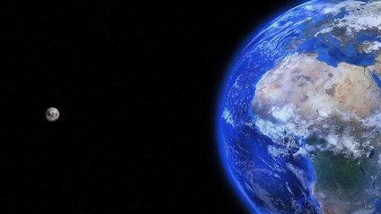 Місяць з орбіти Землі - фото 1