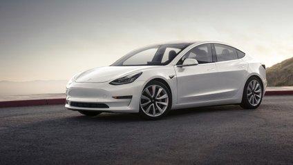 Tesla Model 3 - фото 1