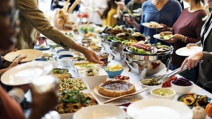 Головне – не залишати їжі на тарілках - фото 1
