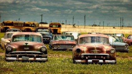 Кладовища унікальних автомобілів - фото 1
