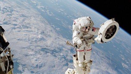 Вихід астронавта у відкритий космос - фото 1