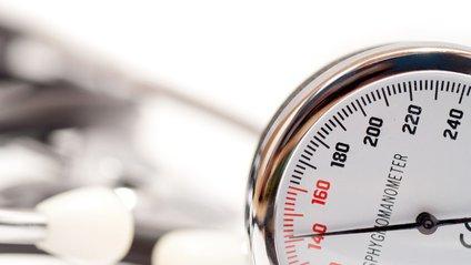 Підвищений тиск може стати наслідком дефіциту сну - фото 1