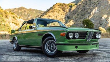 """Усього побудували 57 """"бетмобілів"""" BMW - фото 1"""