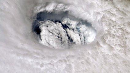 Ураган Доріан з космосу - фото 1
