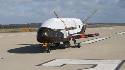 Космічний військовий літак X-37B - фото 1