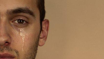 Чому чоловіки плачуть під час перегляду фільмів - фото 1