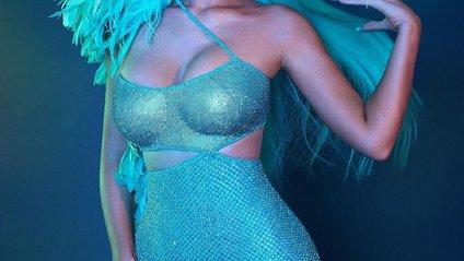 Кайлі Дженнер у неймовірно короткій сукні - фото 1