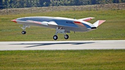 Безпілотник MQ-25 Stingray - фото 1