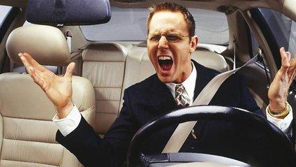 Фахівці назвали пісні, під які небезпечно водити машину - фото 1