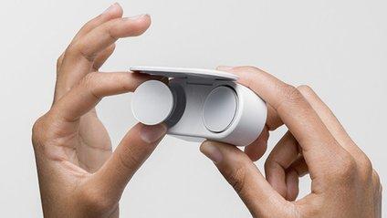 Бездротові навушники Surface Earbuds - фото 1