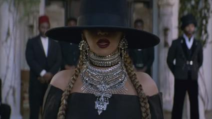 Beyoncé у кліпі Formation - фото 1
