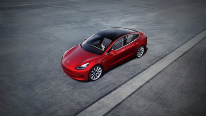 Tesla Model 3 назвали найбезпечнішим електрокаром на ринку - фото 1