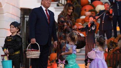 Трамп окурйозився з дітьми на Хеловін - фото 1