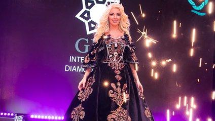 У мережі показали найдорожче українське плаття, яке увійшло до Книги рекордів - фото 1