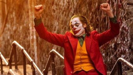 Сцена з Джокером на сходах - фото 1