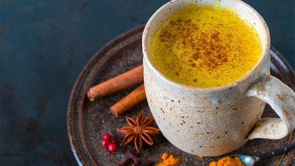 Медики рекомендують готувати імбирний чай з куркумою - фото 1
